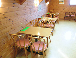 2F飲食スペース